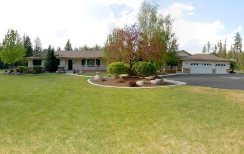 Spokane Deer Park Washington Luxury Country Ranch Home On Acreage Available For Sale
